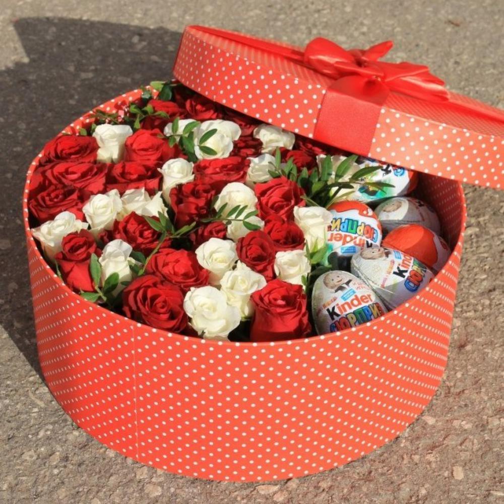 Розы и киндер сюрприз картинки